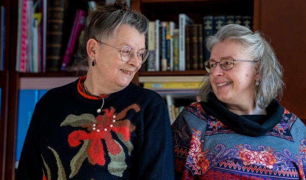 Sommige gewoontes van de zussen blijven bestaan, ook als ze straks niet meer samenwonen.  (beeld Frank Uijlenbroek)