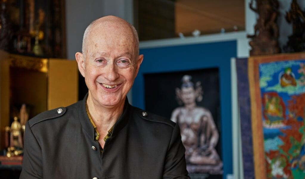Hoogleraar boeddhisme Paul van der Velde  (beeld Wouter van Assendelft)