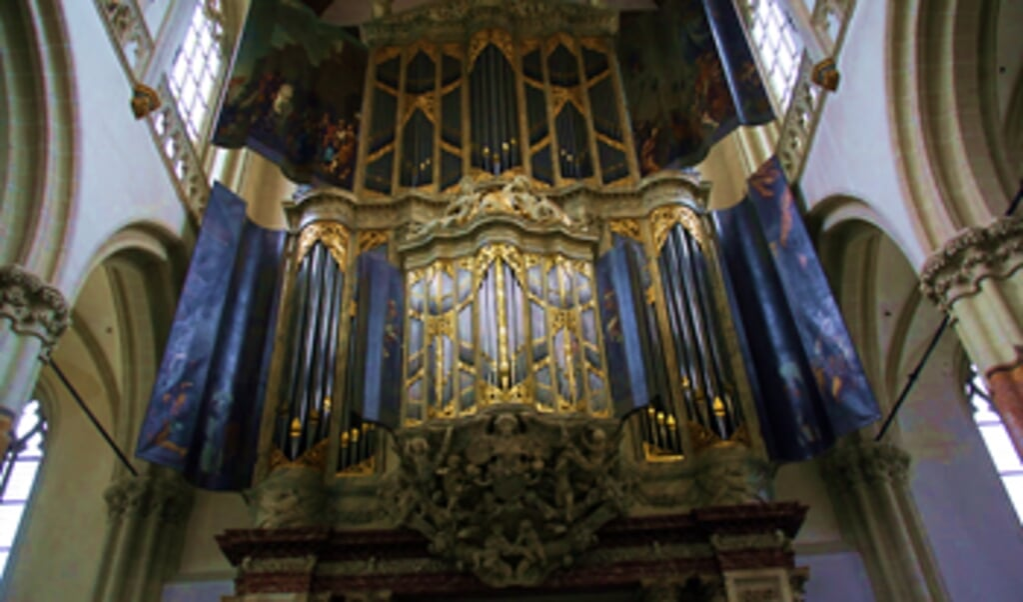 Het grootste historische orgel van Nederland, in de Nieuwe Kerk.   (beeld Evert Elzinga)