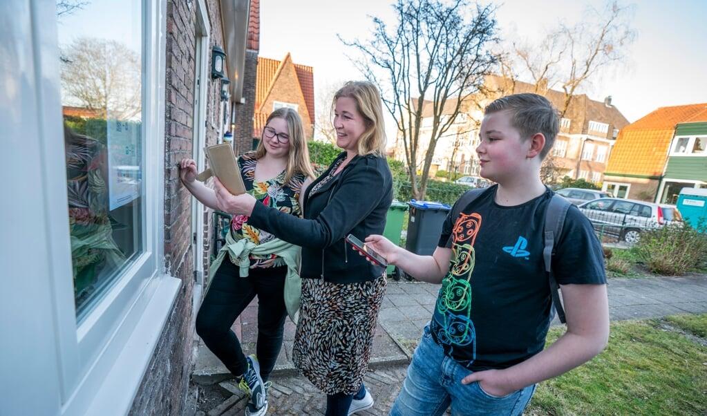 Het gezin Philipse speelt de PaasChallenge 2021 in Hilversum.  (beeld Jeroen Jumelet)
