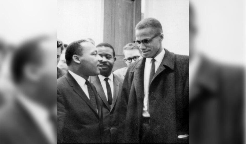 Martin Luther King en Malcolm X spraken elkaar slechts één minuut, op 26 maart 1964.  (beeld library of congress)