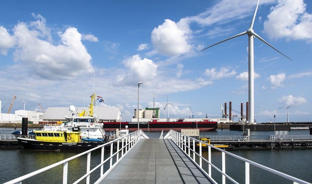 De Eemshaven in Groningen. De provincie is niet gecharmeerd van het idee van een kerncentrale.   (beeld anp / Anjo de Haan)