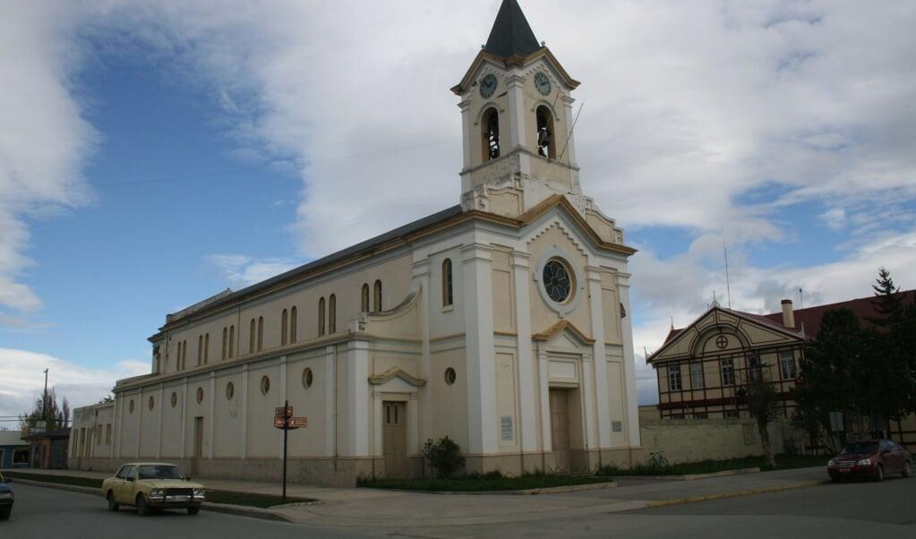 De kathedraal van het Chileense rooms-katholieke bisdom Magallanes.  (beeld wikipedia)