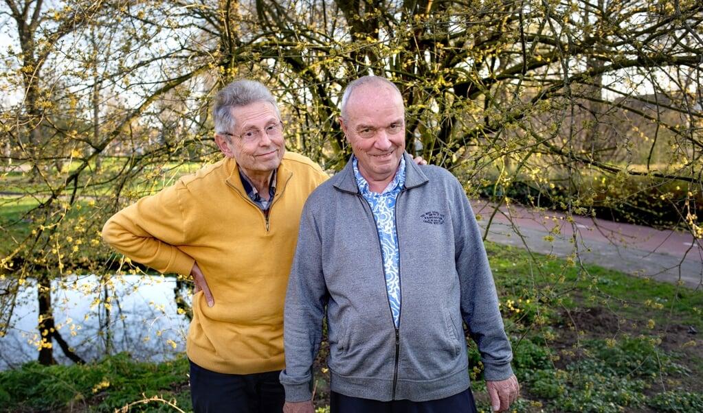 Marinus Zwijnenburg (links) en Hans Zellenrath zijn al 51 jaar een stel.  (beeld Dirk Hol)
