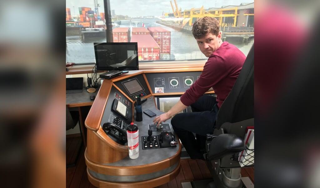 Cor den Ouden, binnenvaartschipper op En-Avant.  (beeld Erdee Media)