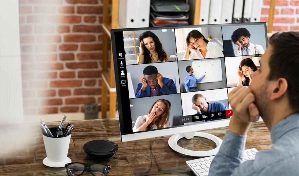 De onderzoekers dachten dat langere vergaderingen de meeste vermoeidheid zouden veroorzaken. Dit bleek niet het geval.  (beeld istock)