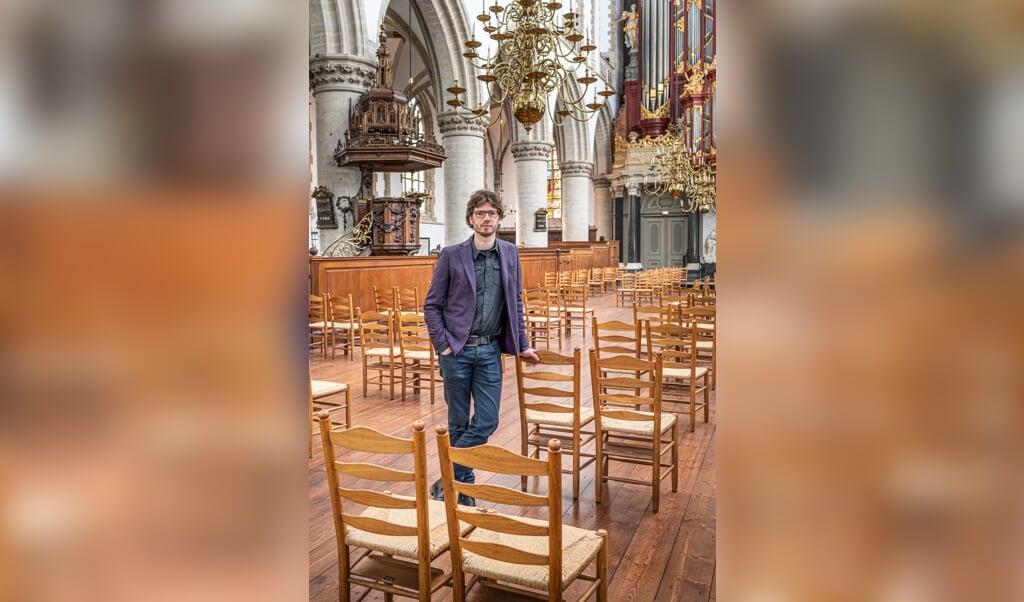 Tom de Haan: 'Er is niets leuker dan bijbellezen met mensen die niet in de kerk zijn opgegroeid. Het is frisser.'  (beeld Martin Waalboer)