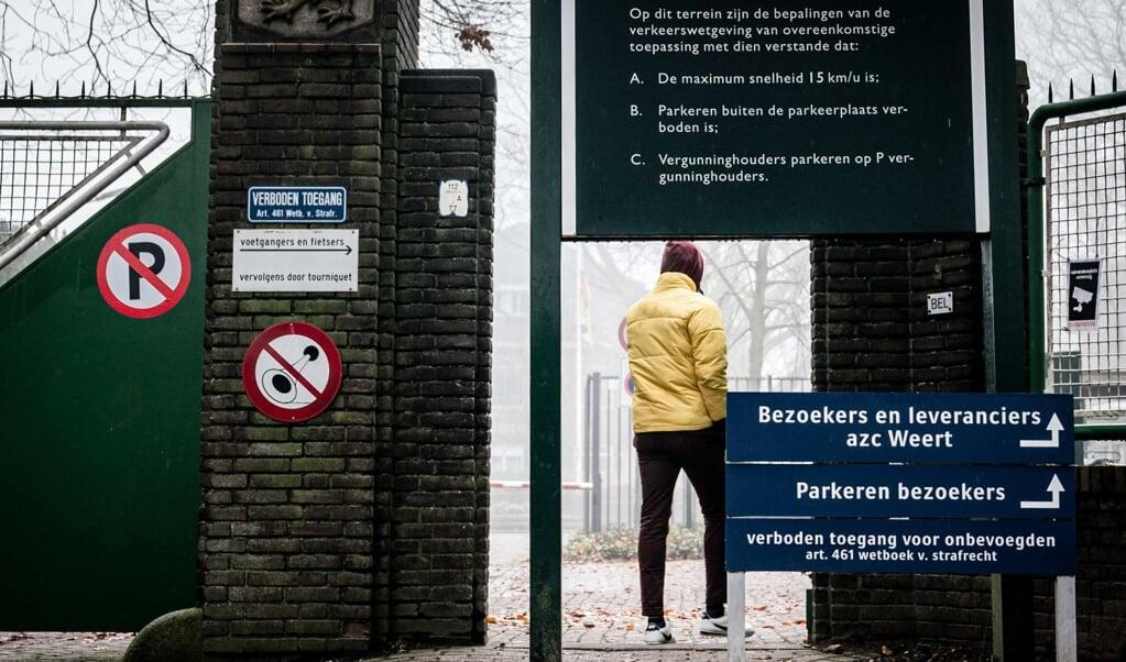 Asielzoekerscentrum in de voormalige Van Horne Kazerne in Weert.  (beeld anp / Rob Engelaar)