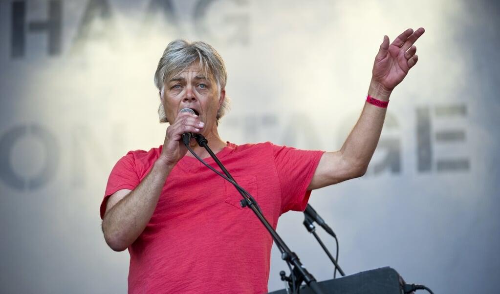 Robert Jan Stips van The Nits in 2010.   (beeld anp / Marten van Dijl)