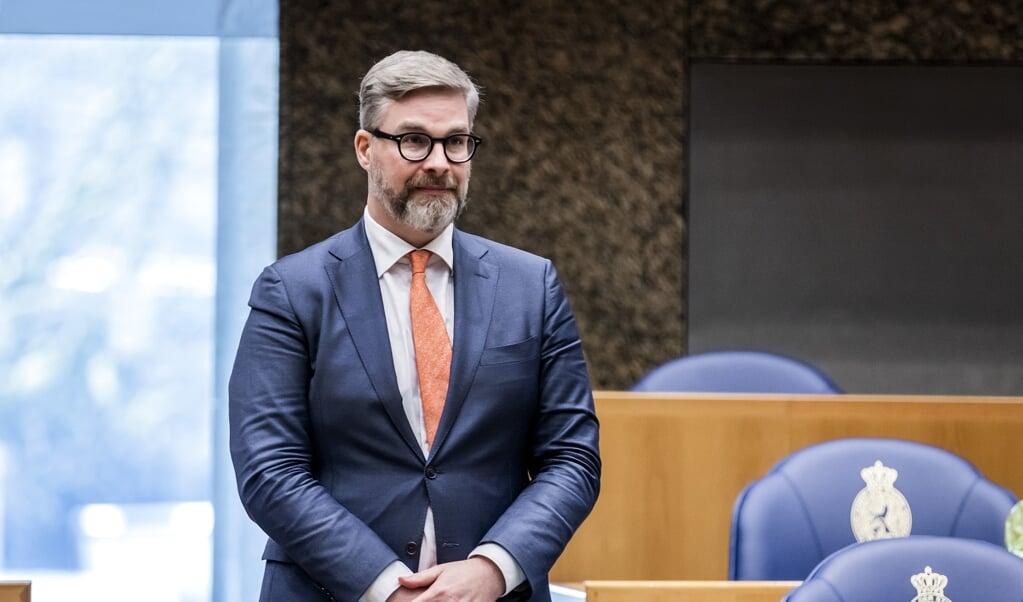 Sidney Smeets (D66) tijdens de beëdiging als lid van de Tweede Kamer.  (beeld anp / Remko de Waal)
