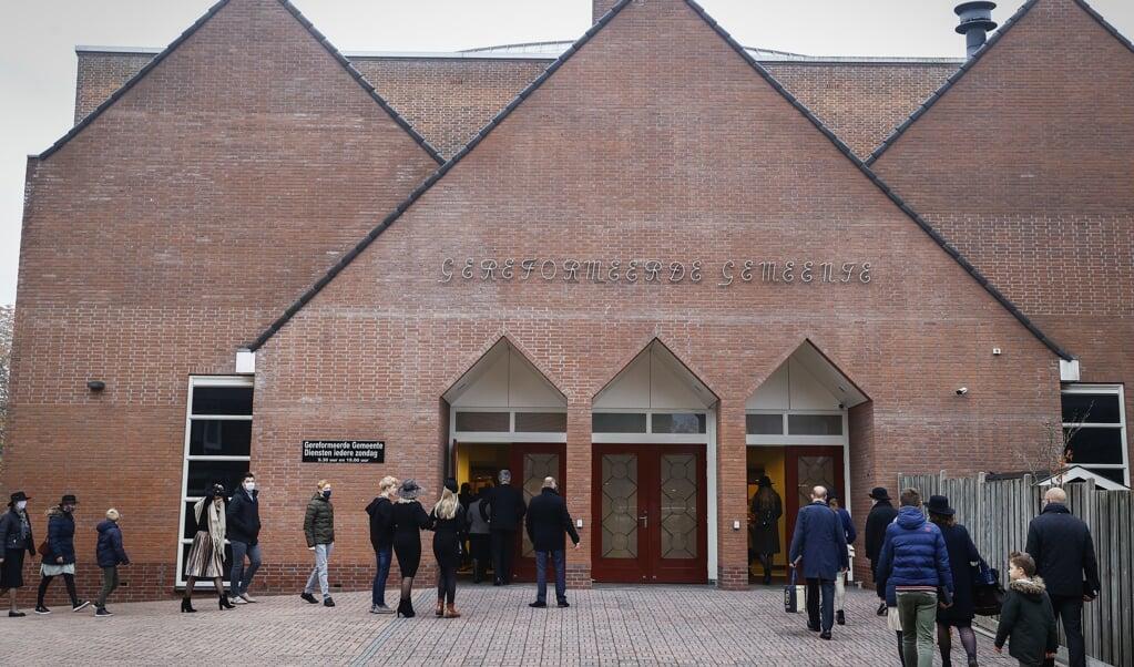 De Gereformeerde Gemeenten vormen het grootste reformatorische kerkverband. Een aantal kerken hebben meer dan duizend zitplaatsen, waaronder deze kerk in Barneveld.   (beeld anp / Vincent Jannink)