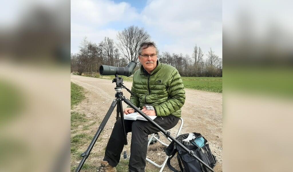 Kunstenaar Erik van Ommen  (beeld nd)