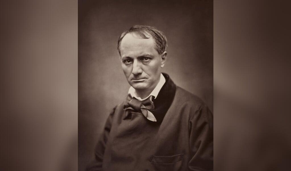 Baudelaire, gefotografeerd door Étienne Carjat in 1863.  (beeld wikipedia)