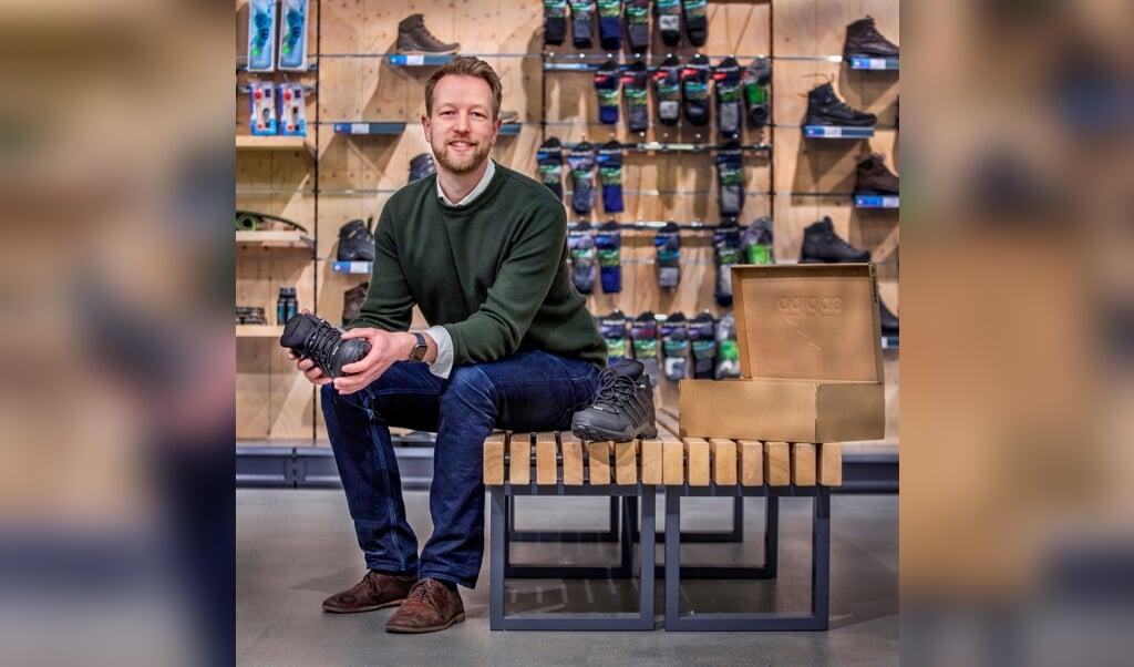 Directeur Paul Tijsen in de Vrijbuiter-store in Zaandam.  (beeld Raymond Rutting)