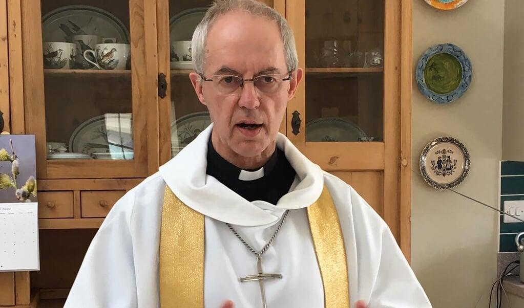 Aartsbisschop Justin Welby vindt het onacceptabel dat de Britse overheid wil bezuinigen op hulp aan het buitenland.  (beeld afp / Lambeth Palace )