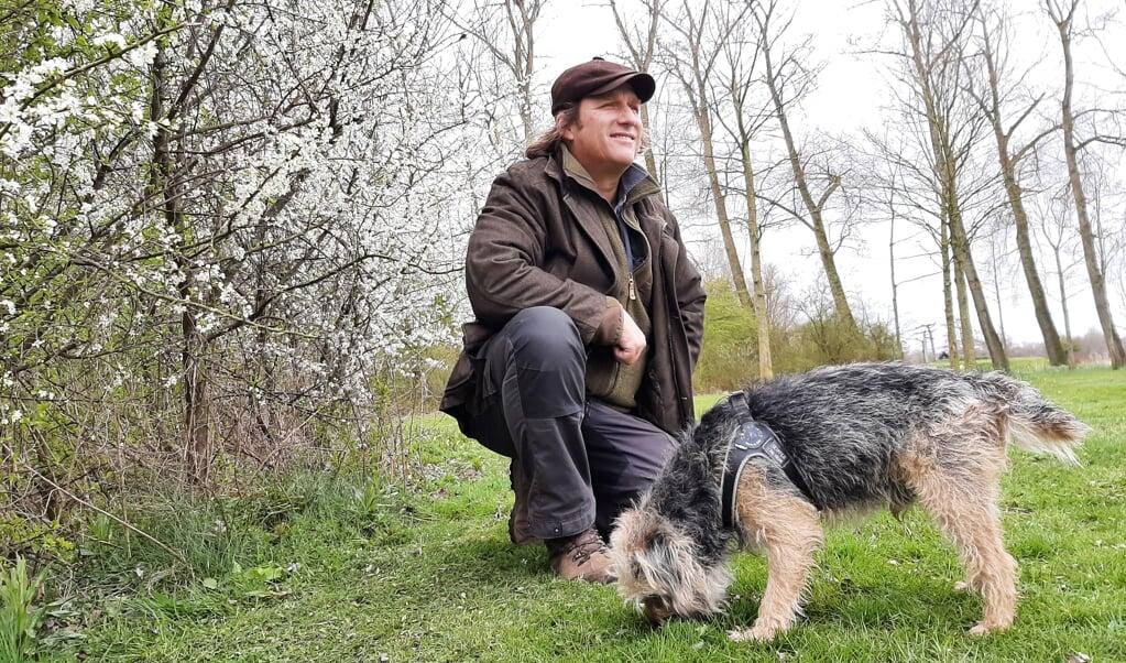 Arjan Postma: 'Op stranden is het nu goed toeven met je hond. Of in de uiterwaarden.'  (beeld nd)