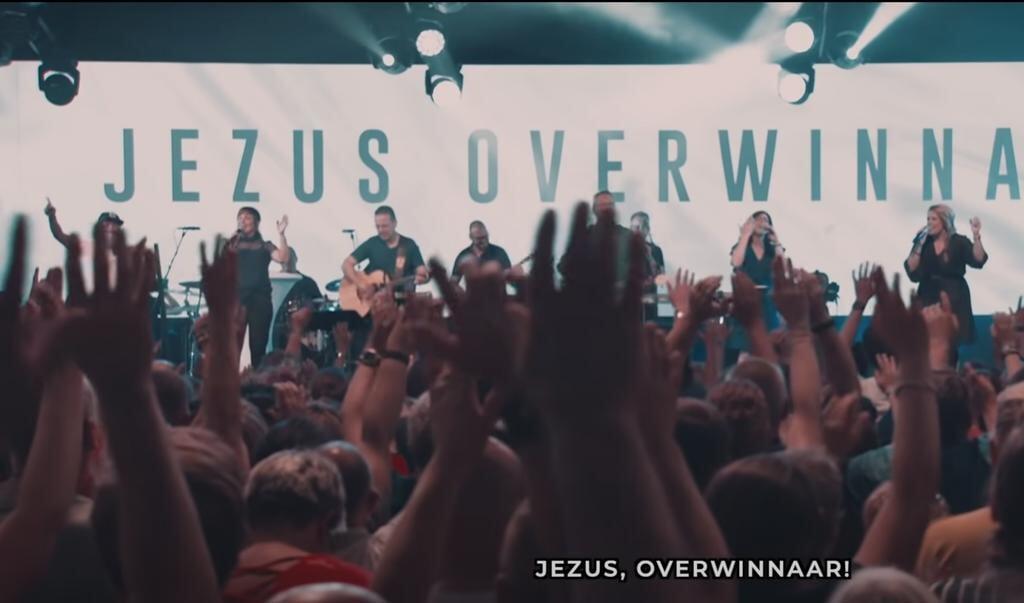De video van Jezus Overwinnaar, het lied dat tijdens de eerste lockdown ineens een hit werd.    (beeld Nd)
