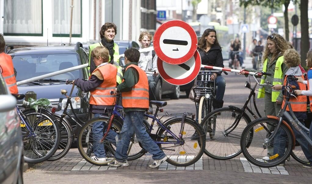 Kinderen fietsen minder, ouderen juist steeds meer. Senioren zijn oververtegenwoordigd in de ongevalscijfers. Niet zo gek, want een jongere, fittere fietser herstelt veel sneller na een ongeval.  (beeld anp / Xtra Koen Suyk)