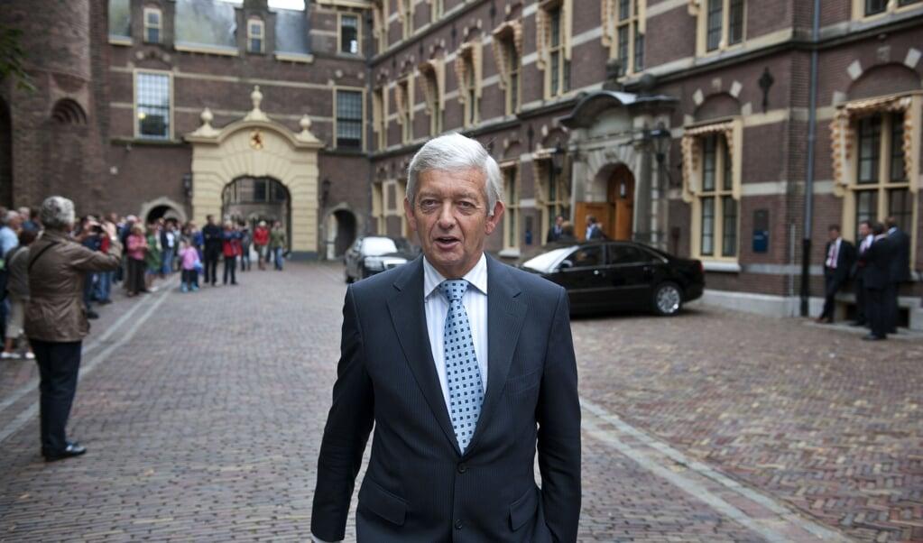 Voormalig minister van Defensie Eimert van Middelkoop vindt dat CU-fractievoorzitter Gert Jan Segers opnieuw moet nadenken over samenwerken met Mark Rutte.  (beeld anp / Robert vos anp / Robert vos)