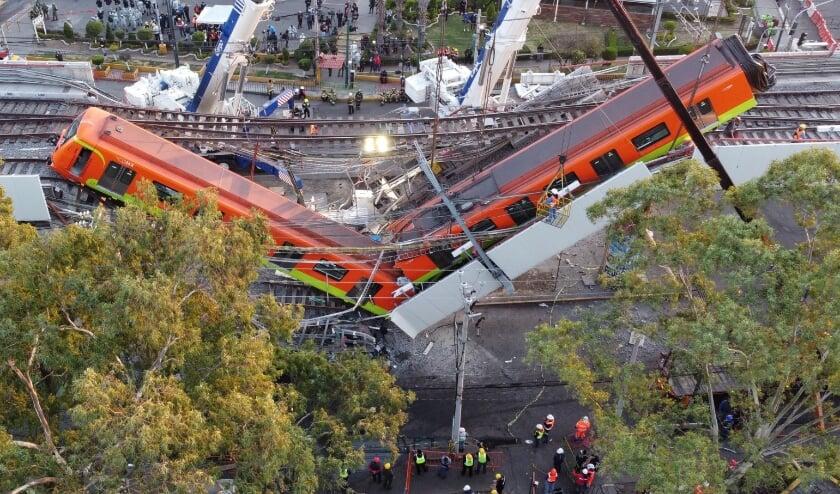 Hoe het viaduct kon instorten, is nu onderwerp van onderzoek.  (beeld epa / Sashenka Gutierrez)