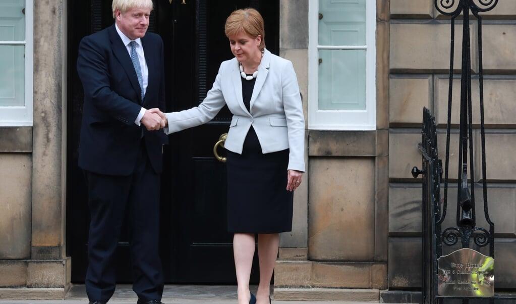 De Schotten staat een nieuw gevecht te wachten tussen Boris Johnson en Nicola Sturgeon.  (beeld epa / Stewart Attwood)