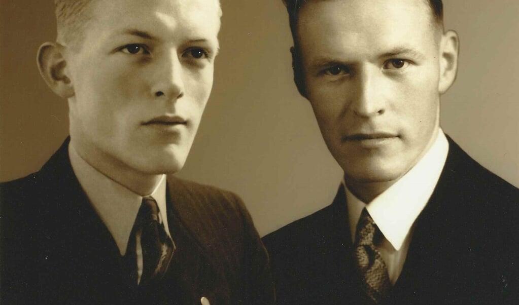 De broers Eef (links) en Chris Boven vervulden vanaf 1942 een leidende rol in het verzet. Eef kwam om in concentratiekamp Neugamme, Chris overleed een paar maanden voor de geboorte van zijn zoon Chris.  (beeld Chris Boven)