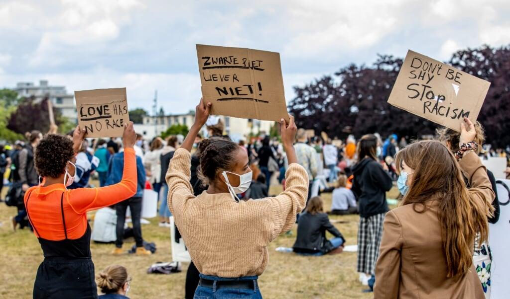 'Een stroming van minderheidsgroeperingen wil pijn voorkomen, of pijn uit het verleden hersteld zien.' Beeld: demonstratie tegen racisme in Maastricht (juni 2020).  (beeld anp / Jean-Pierre Geusens)
