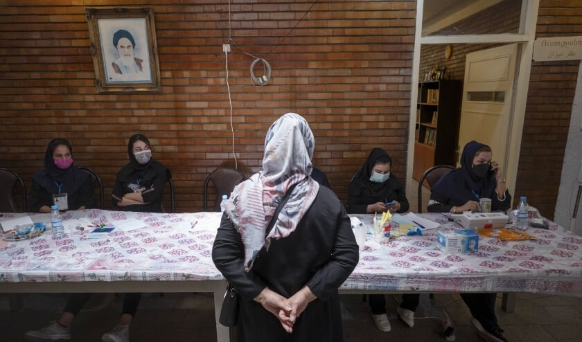 Christenvervolging in Iran intensiveert. 'Wie zich bekeert, bestaat eigenlijk niet meer'