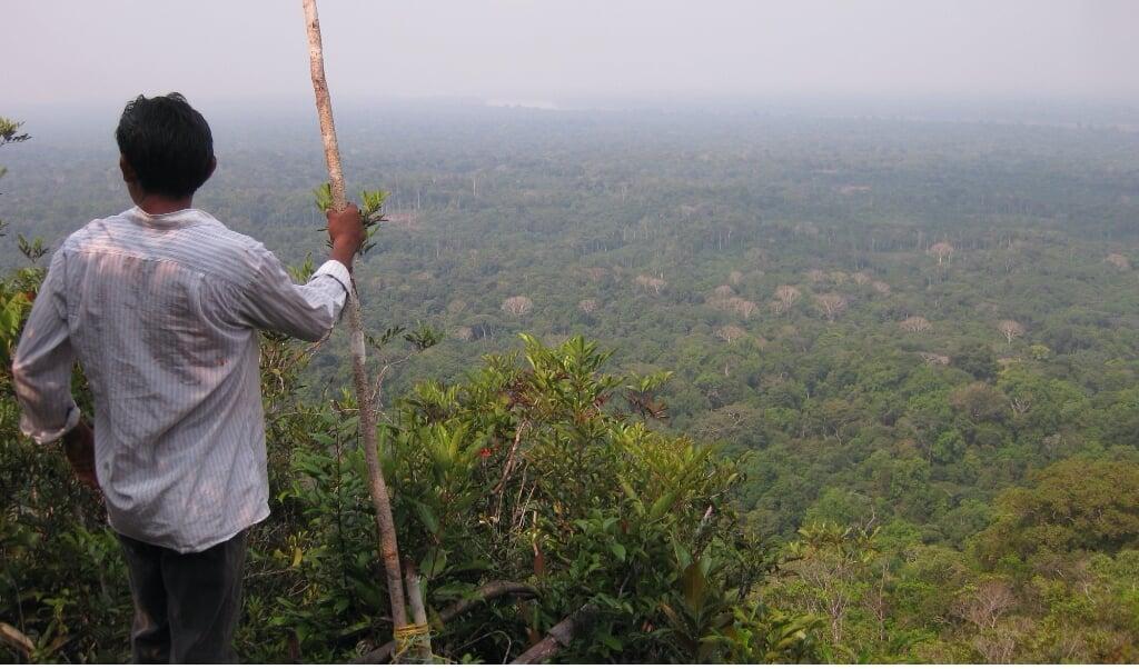 Man van de Yucuna-stam in Colombia.  (beeld universiteit van zürich / Rodrigo Cámara-Leret)