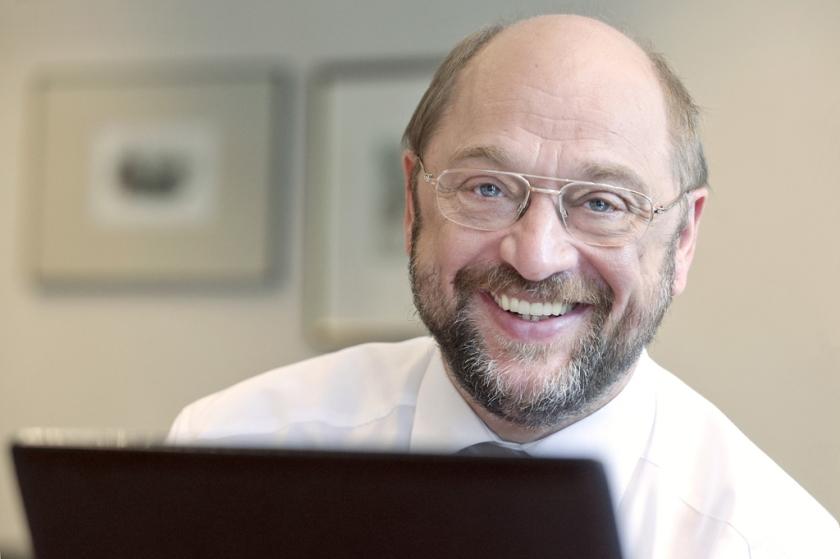 Martin Schulz zaagt aan eigen stoelpoten