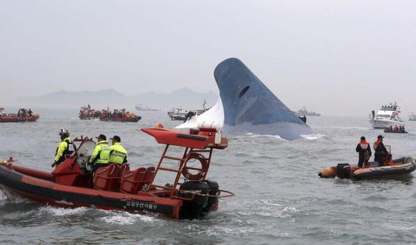 Grote reddingsactie na veerbootongeluk Zuid-Korea