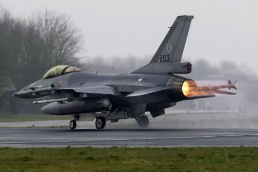 F-16s donderdagmiddag al richting zuiden