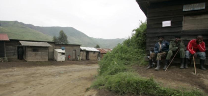 Wandelend dorp in Congo