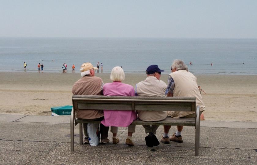 Crisis raakt ouderen het hardst