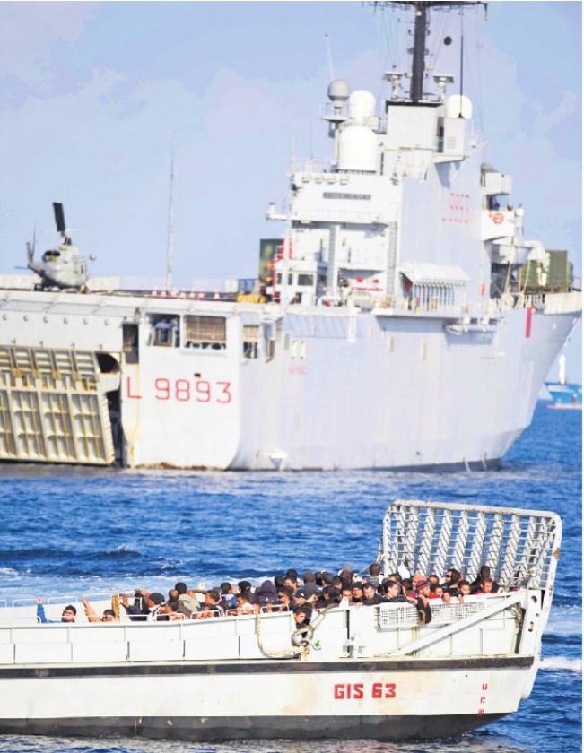 Italië mag vluchtelingen op zee niet terugsturen