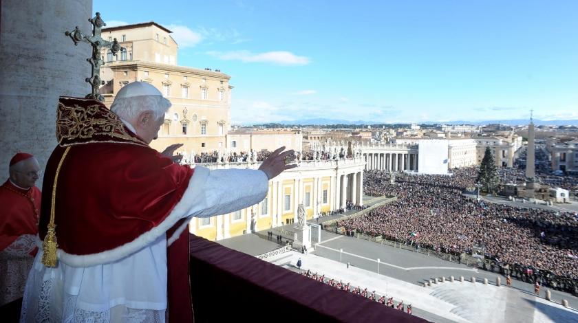 Blogs & bladen: waarom de paus moe is
