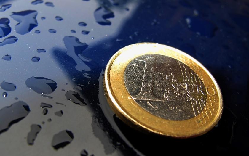 Vertrouwen in euro zakt verder weg
