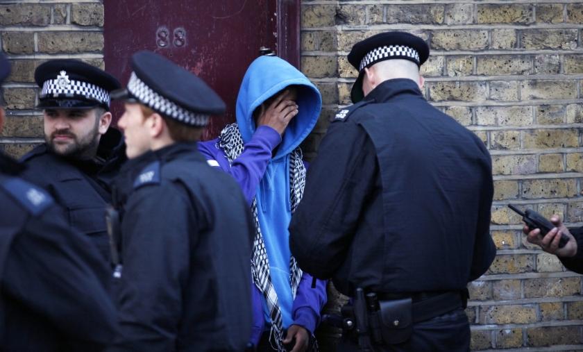 Britse rellen leiden tot bezinning in kerk