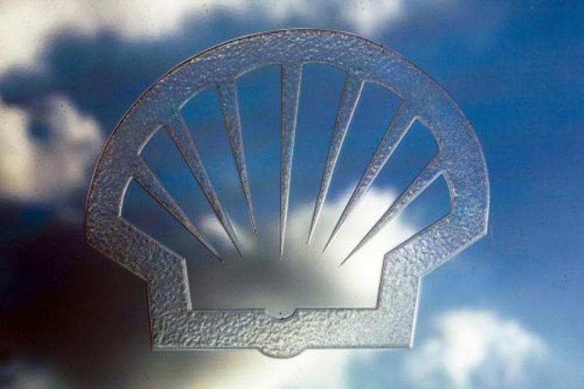Shell kampt met olielek op Noordzee