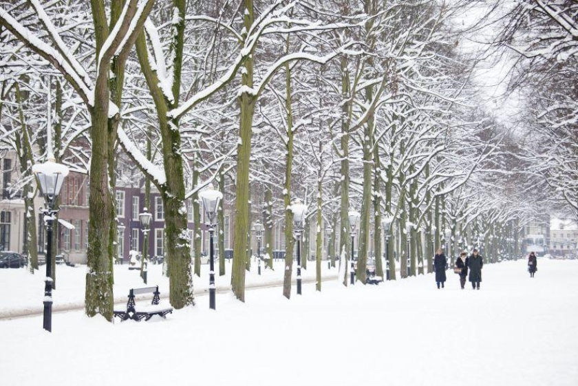 Winterweer trekt Nederland binnen