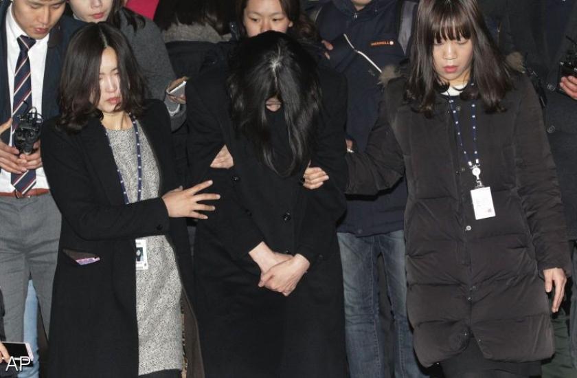 Topvrouw Korea Air Lines vast om nootjesruzie