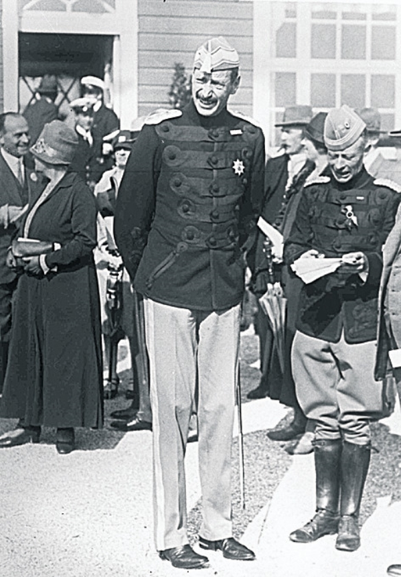 Luns kon De Gaulle in de ogen kijken