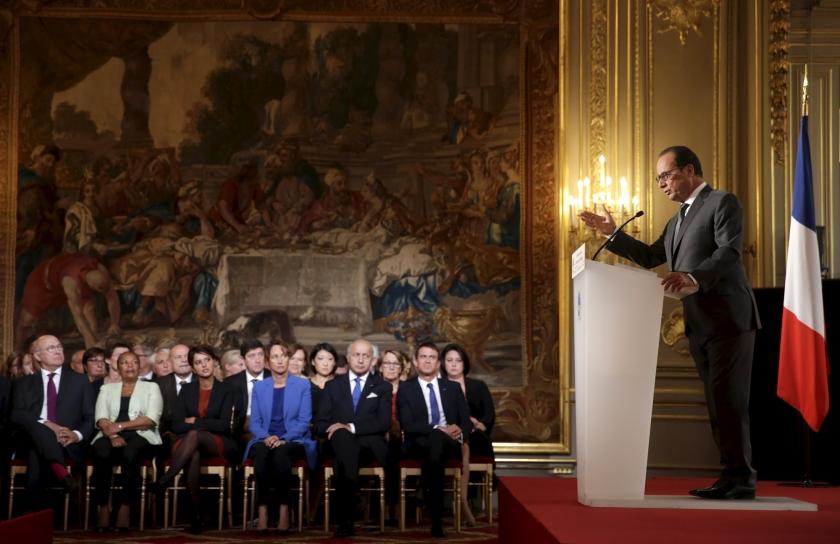 Hollande acht tijd voor vrijwilligheid bij opvang vluchtelingen voorbij  (ap / Philippe Wojazer)