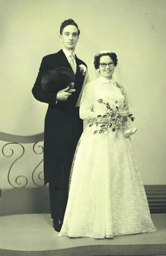 Dierbare foto: Zelfgemaakte trouwjurk