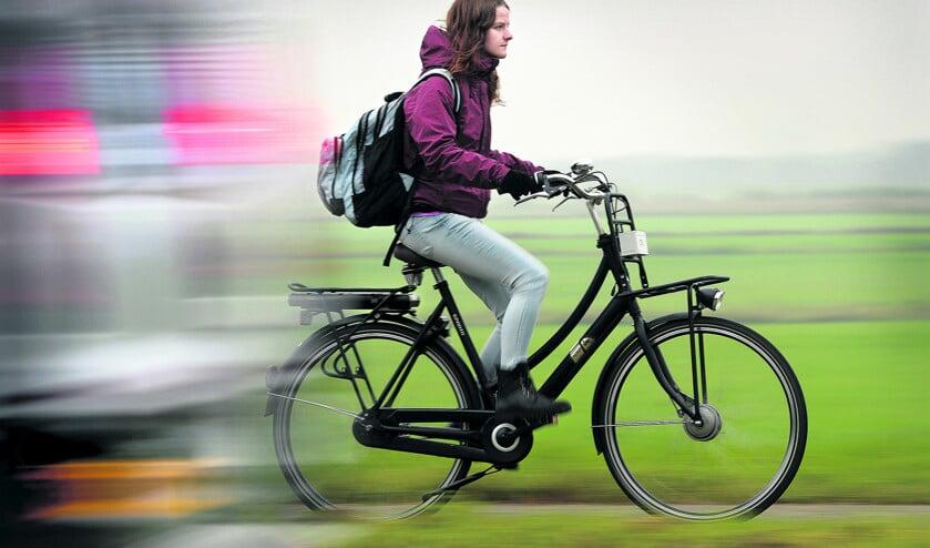 Cool naar school met een e-bike  (Marcel van den Bergh)