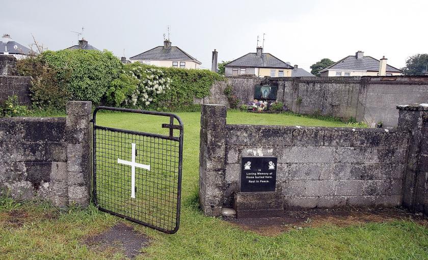 Het terrein waar de Ierse regering in de tweede helft van 2019 wil beginnen met een grootschalige opgraving.  (afp / Paul Faith)