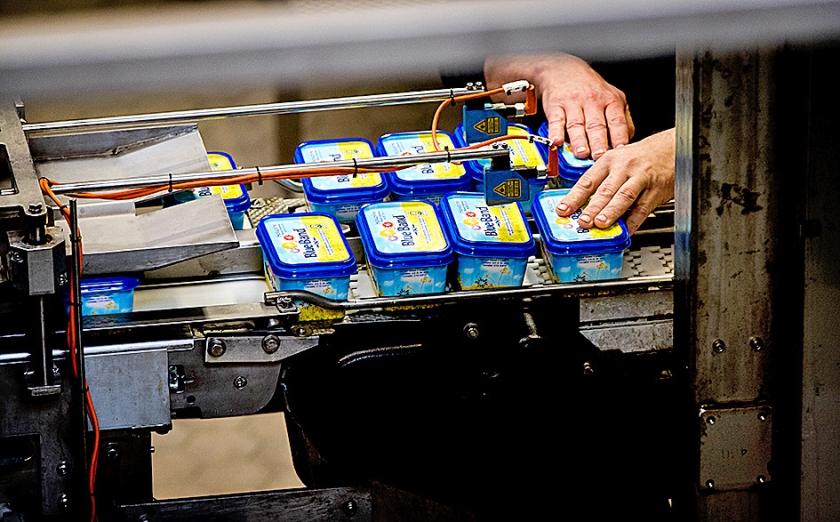 Er komt een einde aan de productie in de margarinefabriek van Unilever in Rotterdam.  (anp / Koen van Weel)
