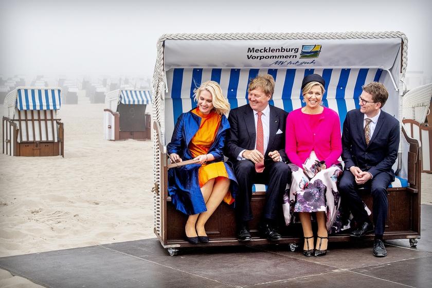 Koning Willem-Alexander heeft in de week van de Europese verkiezingen het belang benadrukt van Europese samenwerking.  Het koningspaar begon maandagmiddag in Schwerin aan een driedaags werkbezoek aan de Duitse deelstaten Mecklenburg-Vorpommern en Brandenburg  (anp / Patrick van Katwijk)
