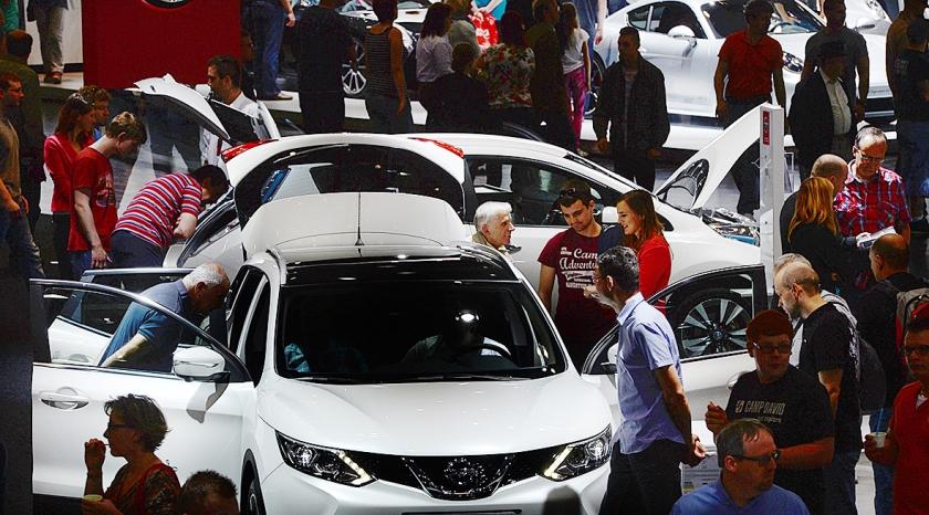 Vooral compacte SUV's, met een hoge instap, zijn populair bij ouderen.  (ap / Hendrik Schmidt)
