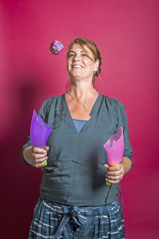 Yvette van Boven is het liefst thuis bij haar moestuintje   (goed folk)